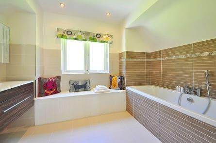 תיקון וצביעת חדר אמבטיה