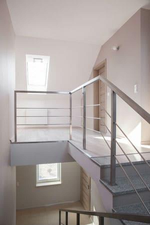 צביעת חדרי מדרגות בבית דירות