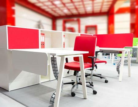 צביעת משרד בצבע אדום